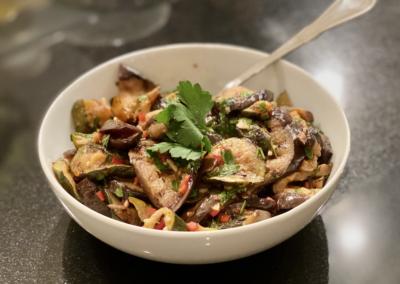 Gegrillte Zucchini und Auberginen mit Knoblauch und Chili